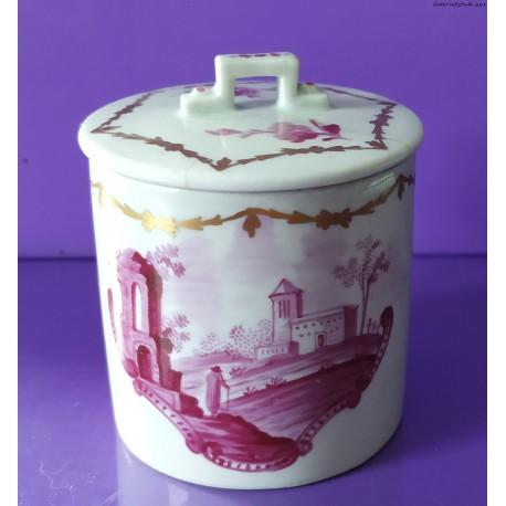 Kubek do czekolady - porcelana - klasycyzm - koniec XVIII w.