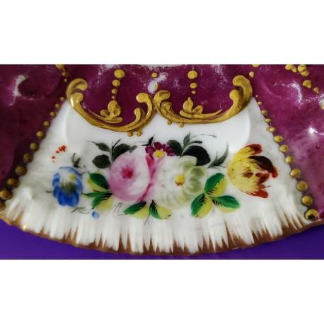 Talerzyk do filiżanki z XVIII wieku - porcelana